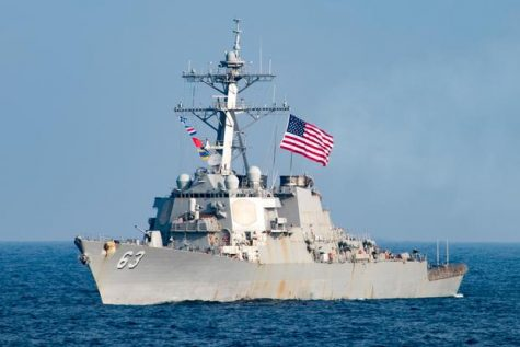 US Destroyer coming back to the west coast after a long trip. Taken from Military.com.
